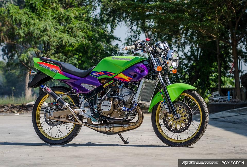 Kawasaki VictorSE 150 Dua con toc do voi loat do choi Khung - 13