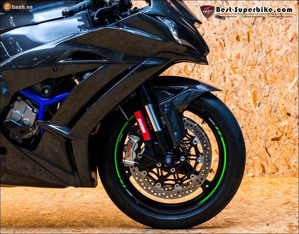 Kawasaki ZX10R ban do buc pha khong ty vet tu option Carbon Clever Wolf - 11