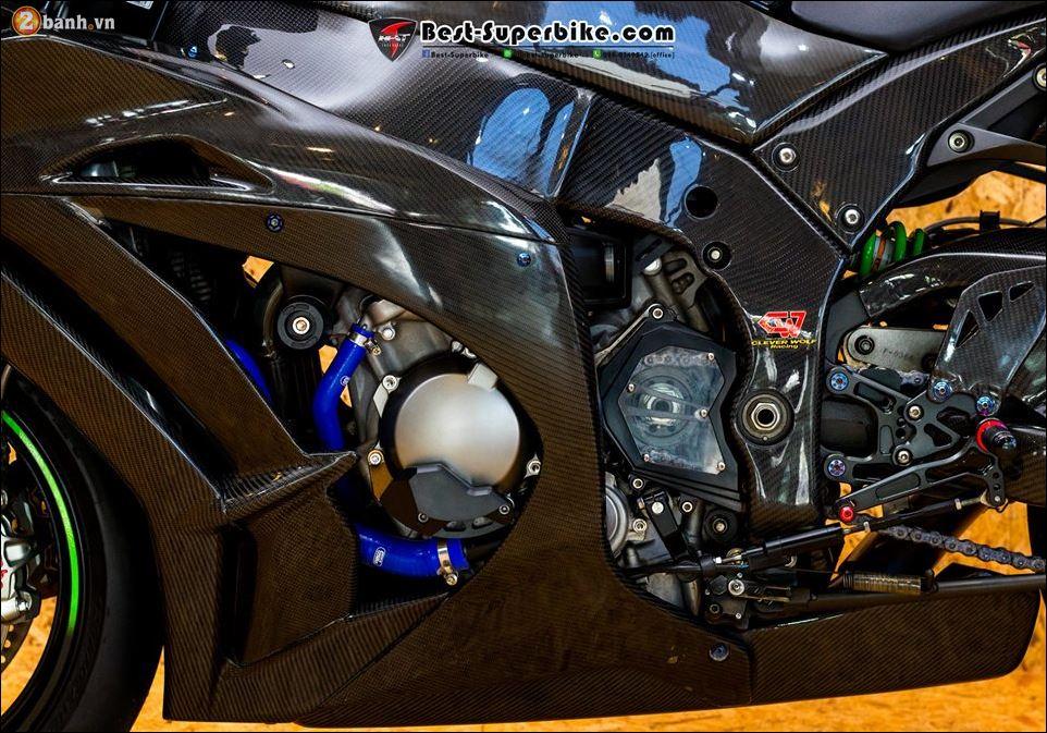 Kawasaki ZX10R ban do buc pha khong ty vet tu option Carbon Clever Wolf - 17