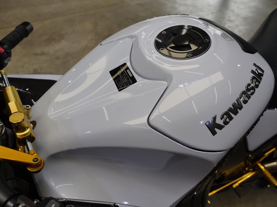 Kawasaki ZX14R Chien than toc do mot thoi ruc ro - 5