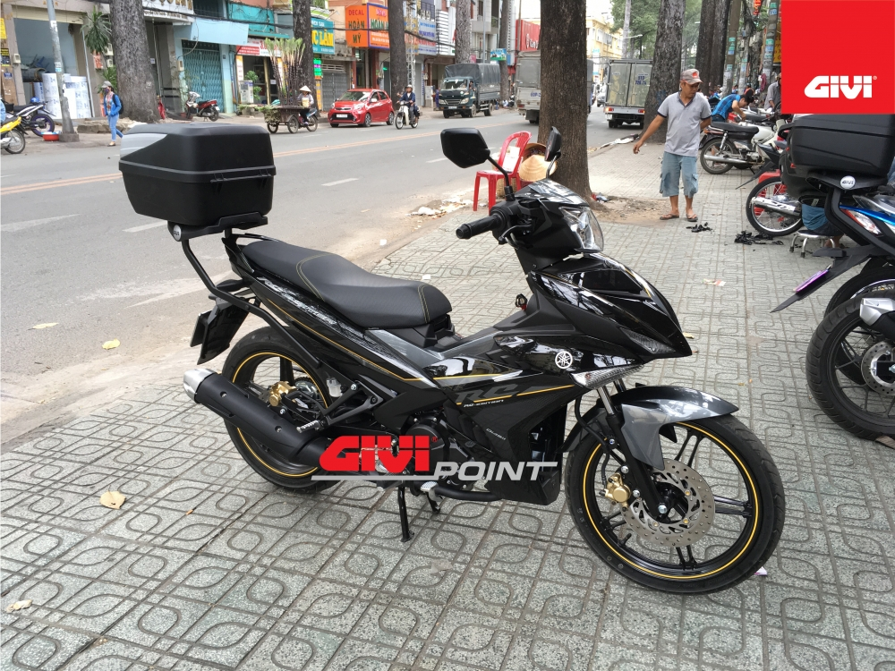 Thung sau GIVI cho cac dong xe - 5