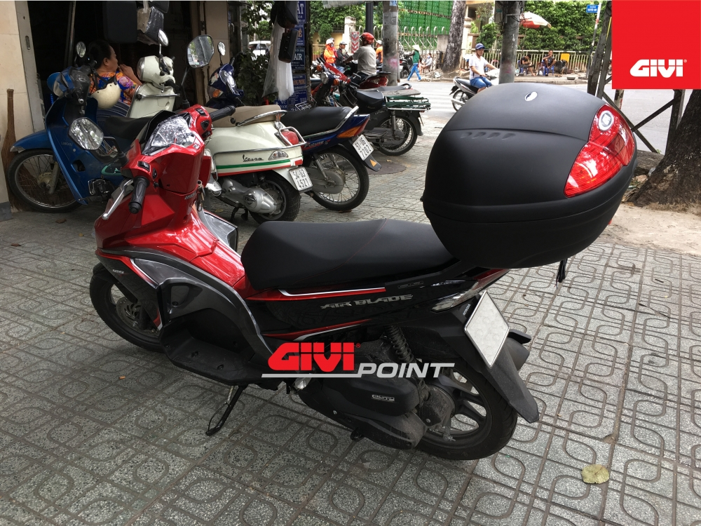 Thung sau GIVI cho cac dong xe - 26