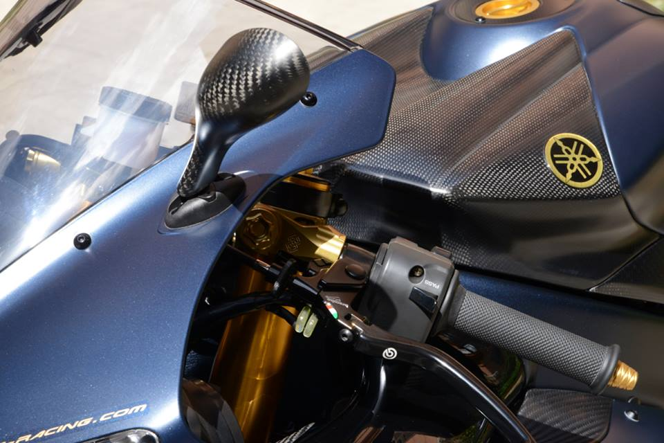 Yamaha R1 chien ma toc do lot xac khong tuong tu trang bi khung - 9