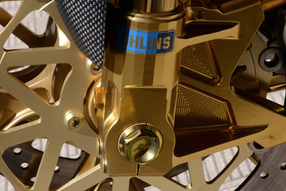 Yamaha R1 chien ma toc do lot xac khong tuong tu trang bi khung - 11