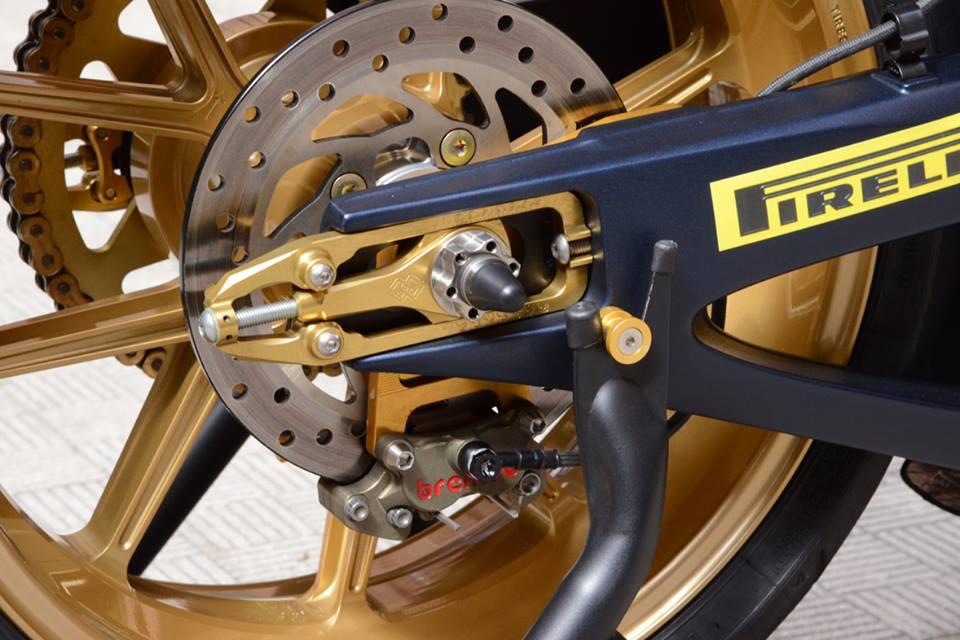 Yamaha R1 chien ma toc do lot xac khong tuong tu trang bi khung - 16
