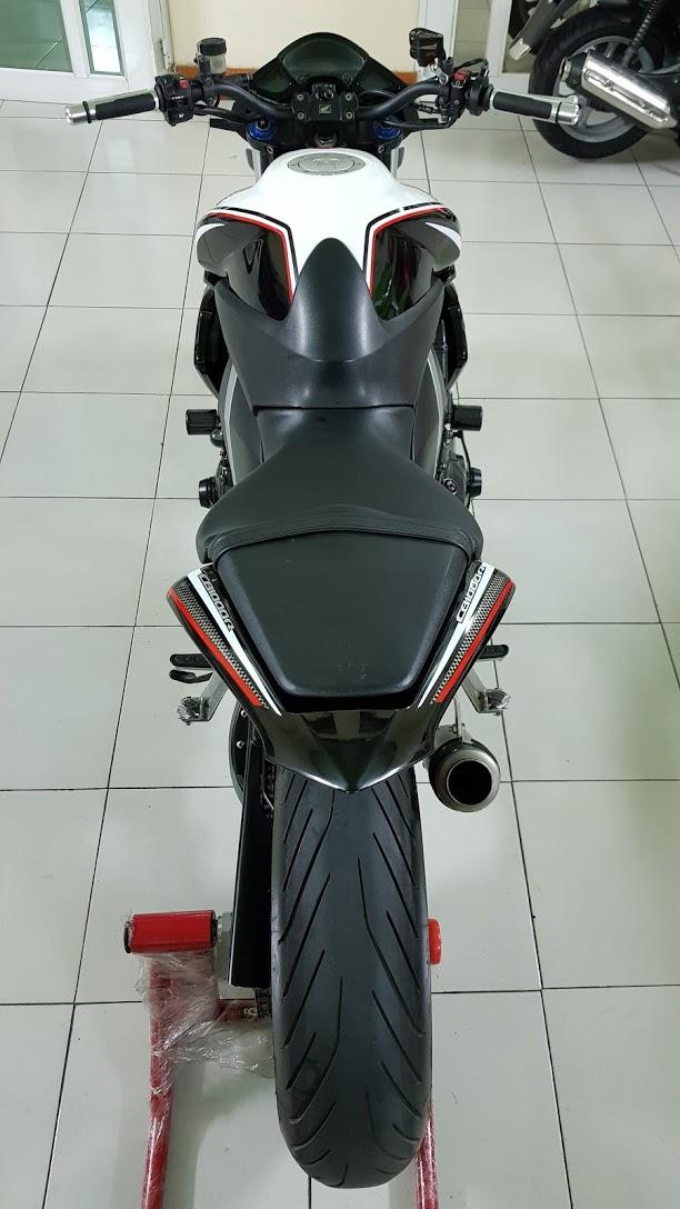 Ban Honda CB1000R 112010 HQCNHISSODO 26KBien So Saigon - 11