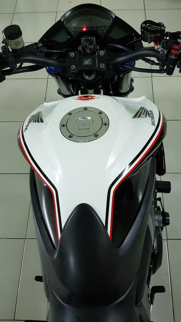 Ban Honda CB1000R 112010 HQCNHISSODO 26KBien So Saigon - 12