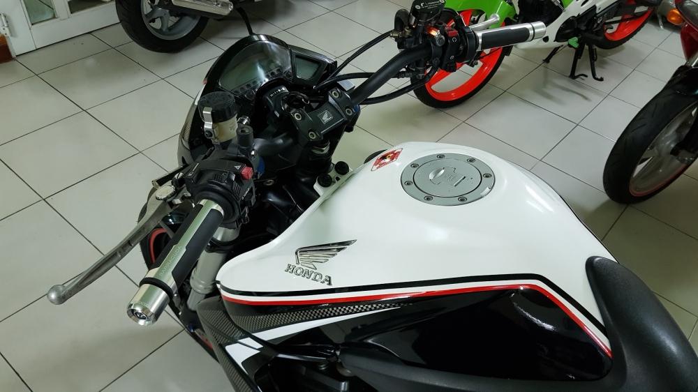 Ban Honda CB1000R 112010 HQCNHISSODO 26KBien So Saigon - 17