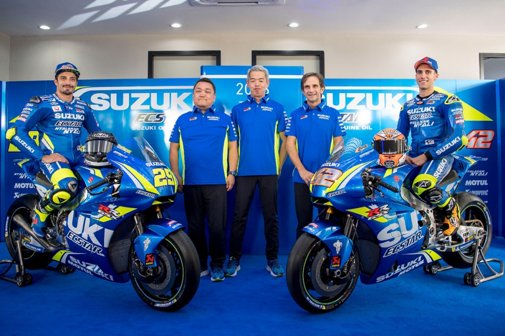 Chi tiet Suzuki GSXRR 2018 tham du mua giai motoGP - 2
