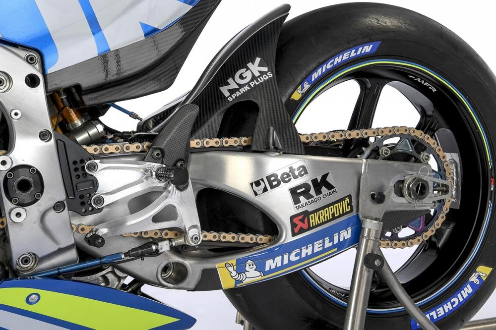 Chi tiet Suzuki GSXRR 2018 tham du mua giai motoGP - 12
