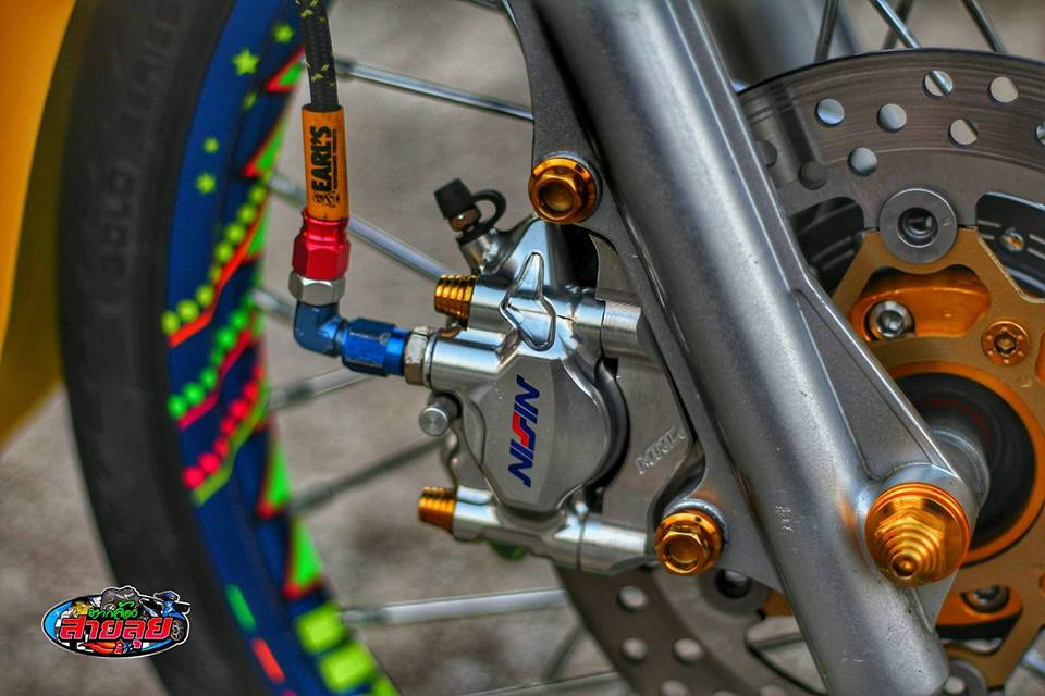 Honda Cub do voi option do choi kieng gia tri cua biker Thailand - 5