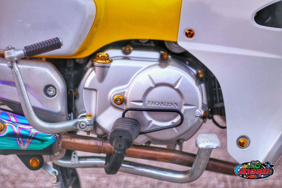 Honda Cub do voi option do choi kieng gia tri cua biker Thailand - 6