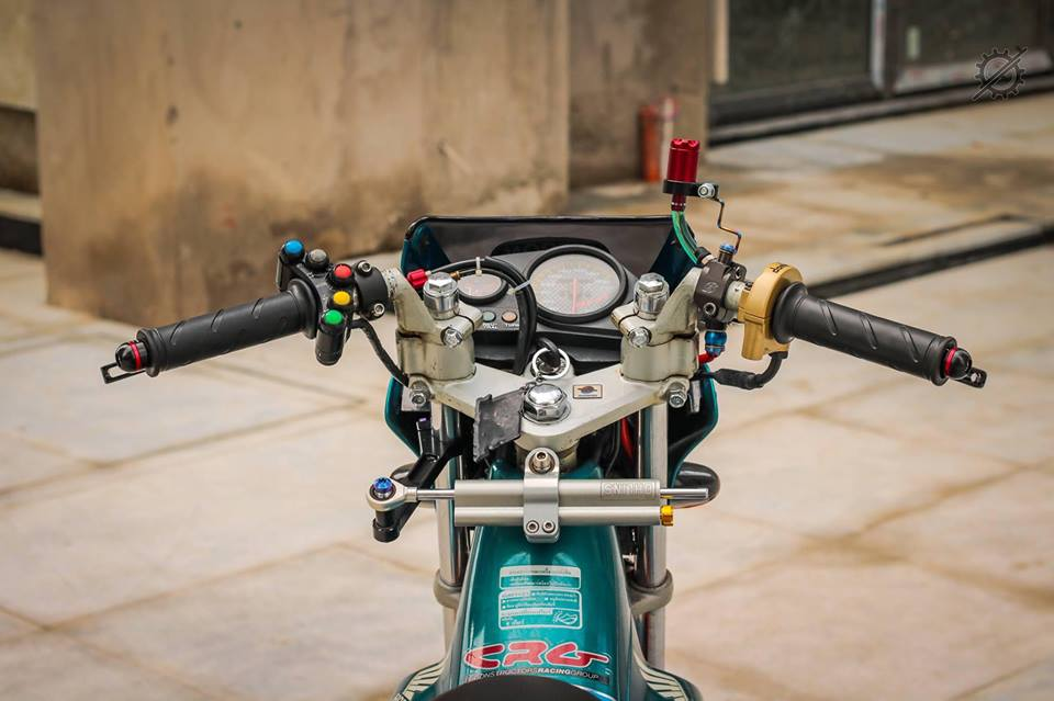 Honda Nova Dash Dua con cua gio cung loat do choi khung tu Biker mien tay - 3