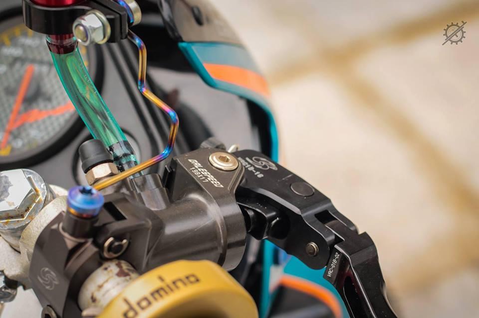 Honda Nova Dash Dua con cua gio cung loat do choi khung tu Biker mien tay - 5