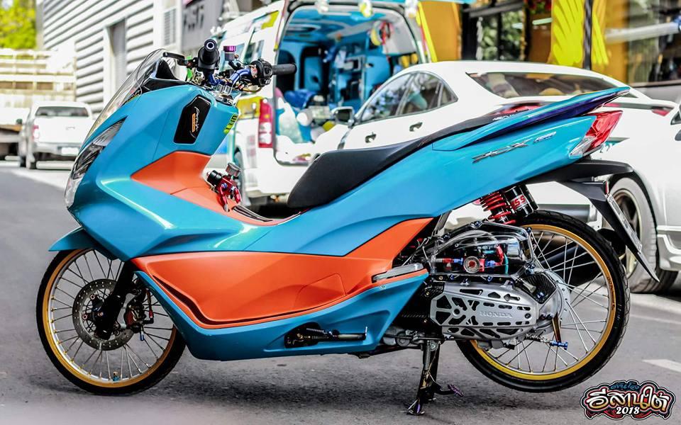 PCX 150 do tone mau Nitron day sang trong cua biker xu chua vang - 3