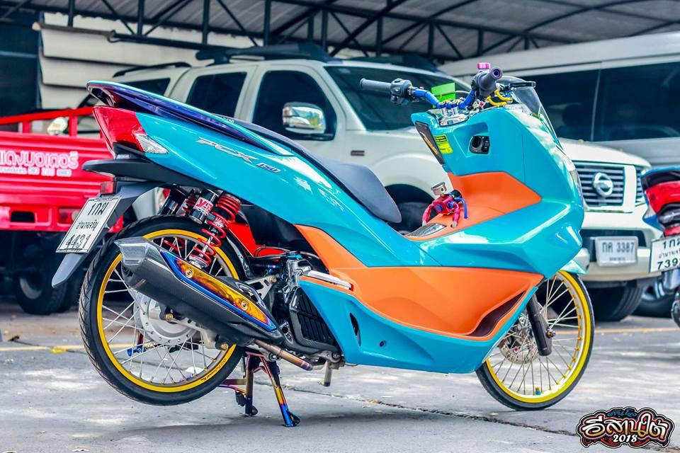 PCX 150 do tone mau Nitron day sang trong cua biker xu chua vang - 7