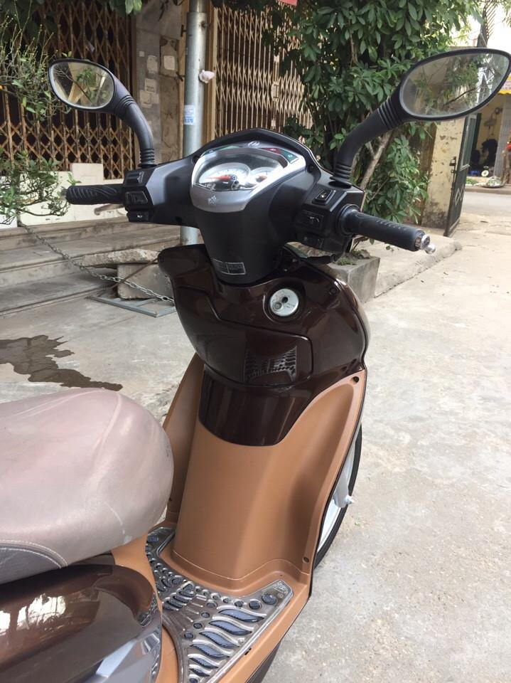 Rao ban Shark 125 kieu dang Sh Nau cafe con rat moi chinh chu su dung nguyen ban