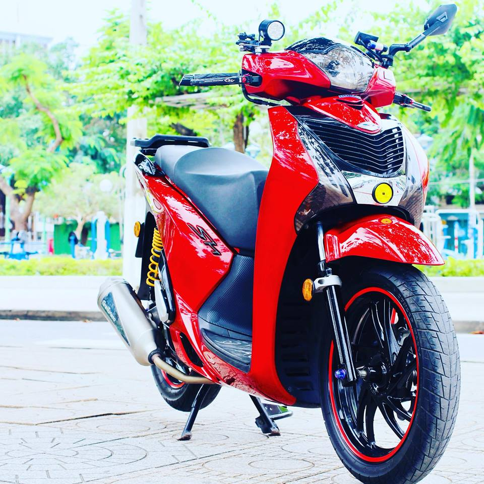 Honda Sh do sang choi voi bo tem do la co nuoc Viet - 3