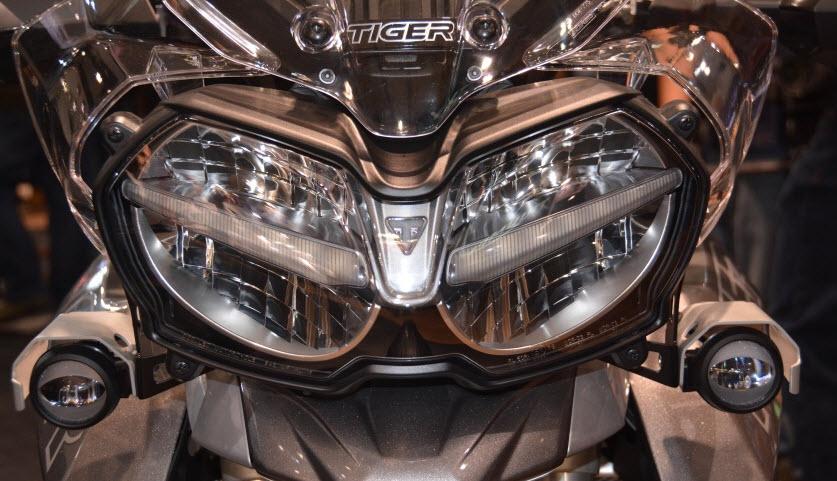 Triumph Tiger 800 2018 cong bo gia ban chinh thuc tren 300 trieu dong - 2