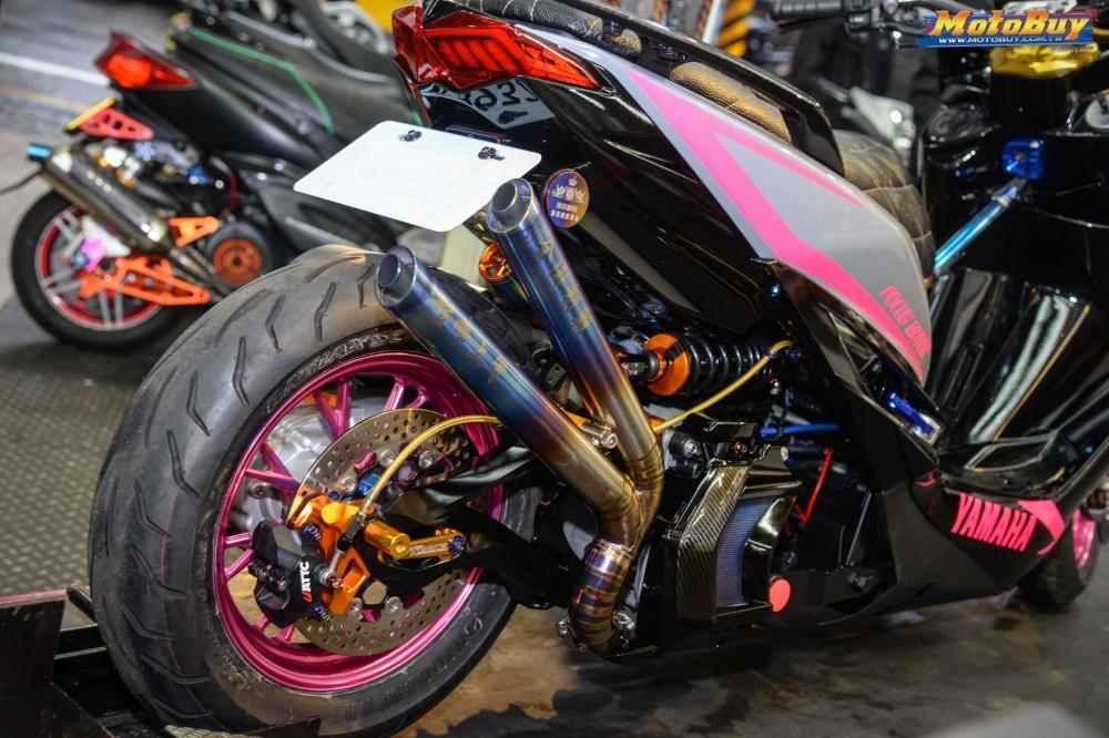 Yamaha Force 155 do voi man buc pha day an tuong cua biker nuoc ban - 10