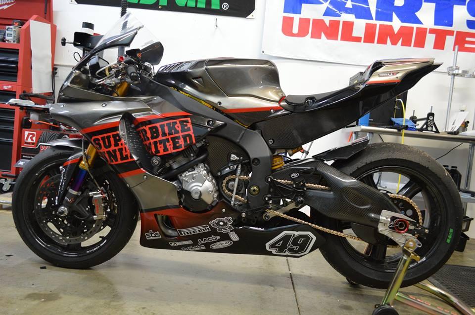Yamaha R1 ban do cang det cung option truong dua - 7