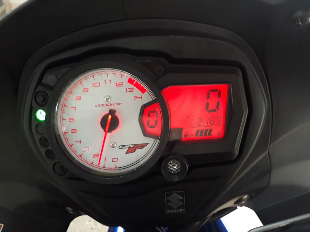 2010 Suzuki GSX650F sport touring da di chi 2500km - 7