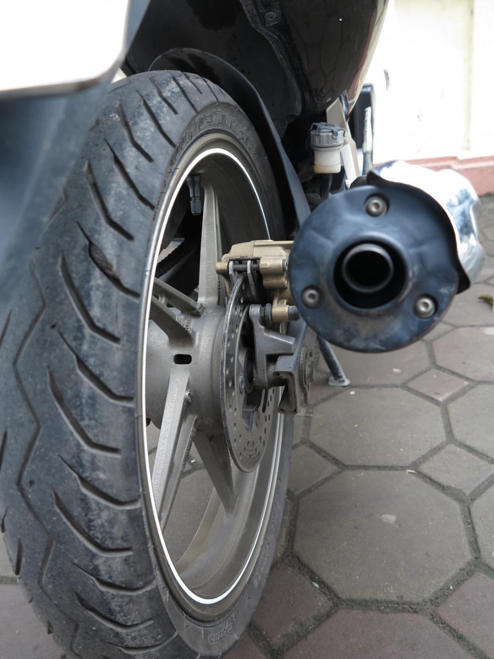 Ban Exciter 135cc con tay may khoe boc xe dep 245 trieu dong - 5