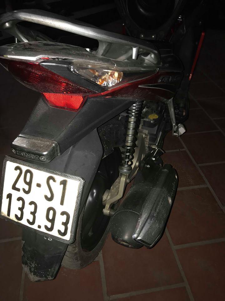Can ban Airblade doi cuoi 2011 bien 29S 5 so nguyen ban va con rat moi 236 trieu chinh chu nu dang