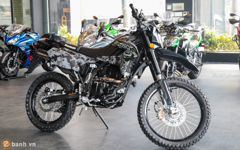 Can canh Kawasaki KLX250 Camo gia 126 trieu dong - 3