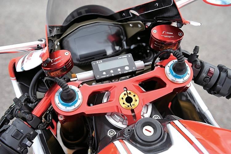 Ducati 1199 Panigale co may mang day cong nghe khoac ao tem dau - 2