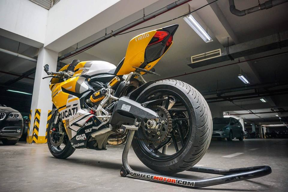 Ducati Panigale 899 do nhe cuc chat voi bo canh moto GP 2018 - 11