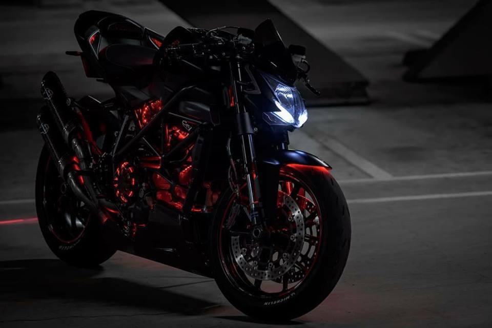 Ducati Streetfighter 848 ga con do duong pho tao dang cuc ngau duoi tang ham toi den - 3