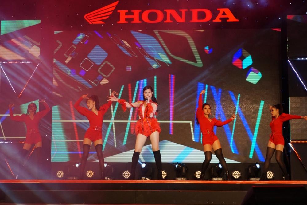 Honda Tron niem tin lan dau tien den voi khach hang cac tinh phia bac trong thang 32018 - 4