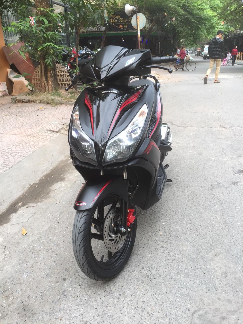 Honda Air blade 125fi Black Edition 2015 den mo chinh chu bien HN - 2