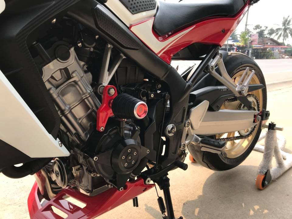 Honda CB650F ve dep phong tran tu mau Nakedbike tam trung - 9