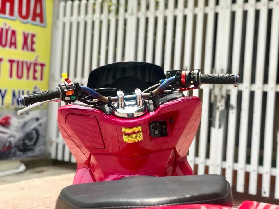 Honda PCX cua chang Biker Viet lot xac phong cach Thai day xinh xan - 3