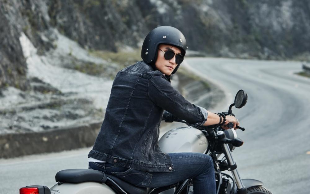 Honda Rebel 300 day phong tran khi do dang cung nguoi mau Nguyen Duy Minh - 4