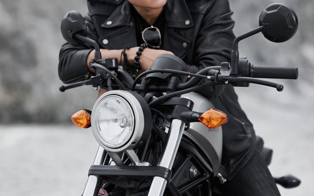 Honda Rebel 300 day phong tran khi do dang cung nguoi mau Nguyen Duy Minh - 9