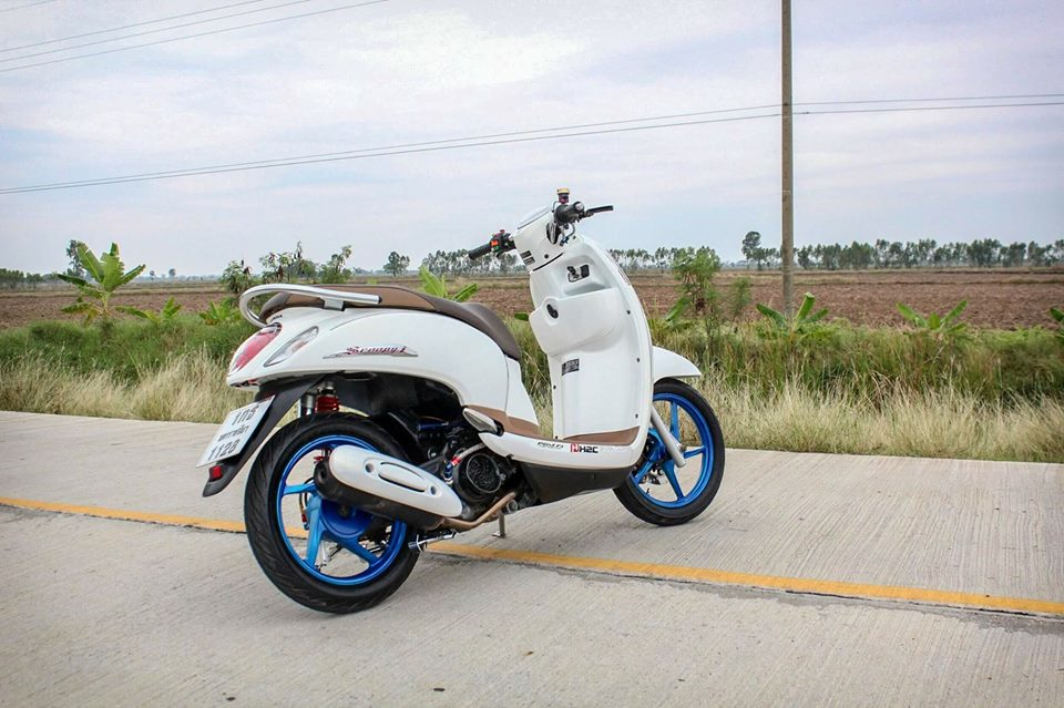 Honda Scoopy do ca tinh voi option do choi kieng gia tri cua dan choi Thailand - 9