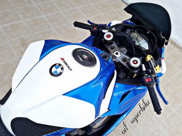 Kawasaki Z800 lot xac khong tuong voi dien mao hoan toan khac biet - 6