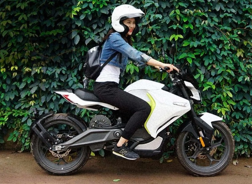 SurRon White Ghost ebike chao hang phan khuc dong co xe dien - 3