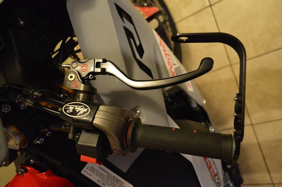 Yamaha R1 Ca tre com can voi cau hinh khung - 4