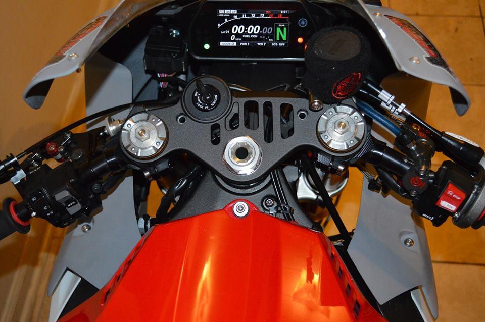 Yamaha R1 Ca tre com can voi cau hinh khung - 6