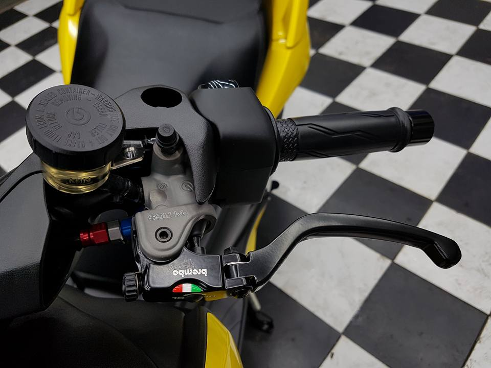 Yamaha XMAX 400 Gao vang dam chat choi den tu Biker Thai - 6