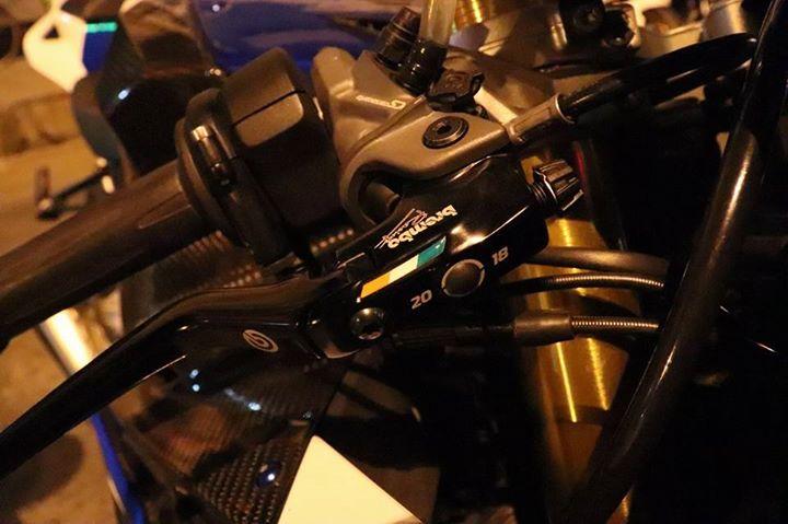BMW S1000RR do ca tinh do dang cung dong bon - 3