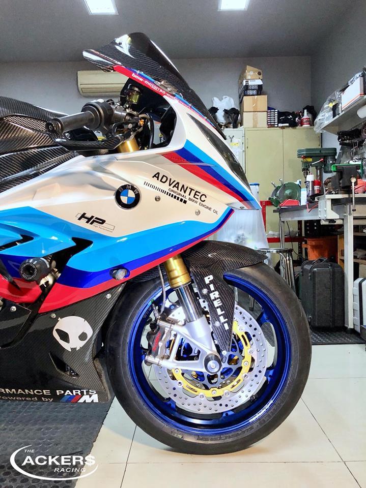 BMW S1000RR noi bat voi dan chan dat gia - 3