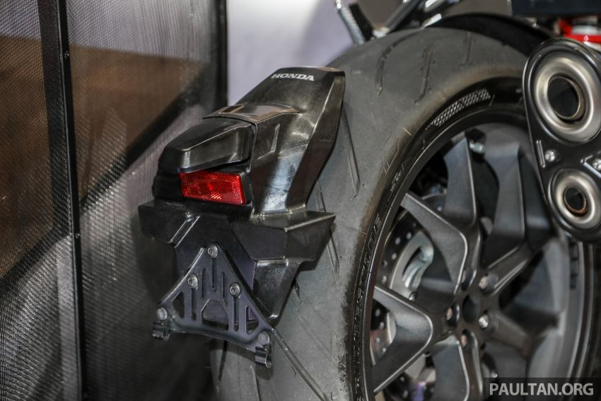 Chi tiet Honda CB1000R tai trien lam Autoshow Malaysia 2018 - 16