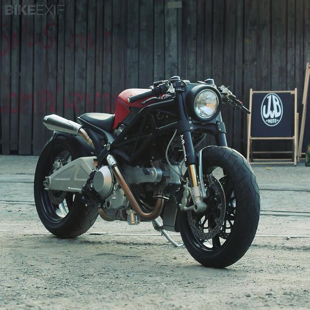Chiem nguong Quai vat JVBMoto Ducati Monster 1100 - 3