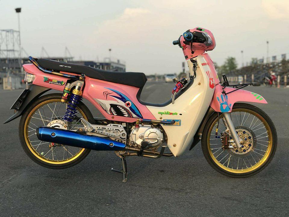 Cub Fi do gay an tuong nguoi xem voi dau tay nguoi bi an cua biker Thailand - 3