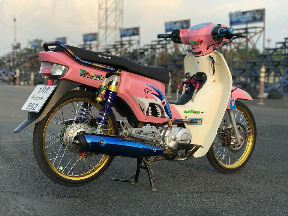 Cub Fi do gay an tuong nguoi xem voi dau tay nguoi bi an cua biker Thailand - 9